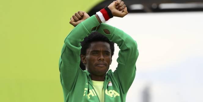 Feyisa Lilesa : « Je vais peut-être, être tué en rentrant en Ethiopie»
