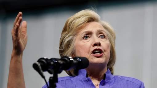 """Clinton prête pour un débat """"dingue"""" avec Trump"""