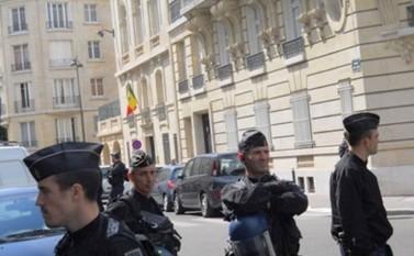 PARIS : Manifestation devant l'ambassade du Sénégal en soutien à Ousmane Sonko