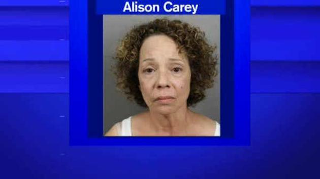 La sœur de Mariah Carey arrêtée pour délit de prostitution