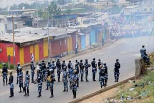 Gabon : La France vivement préoccupée par les violences, appelle à la retenue