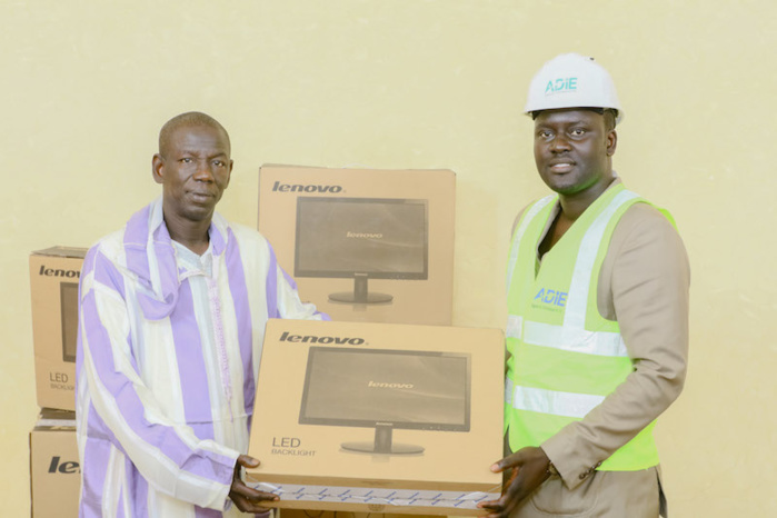 L'ADIE remet un important lot de matériel informatique à la mairie de Kaffrine