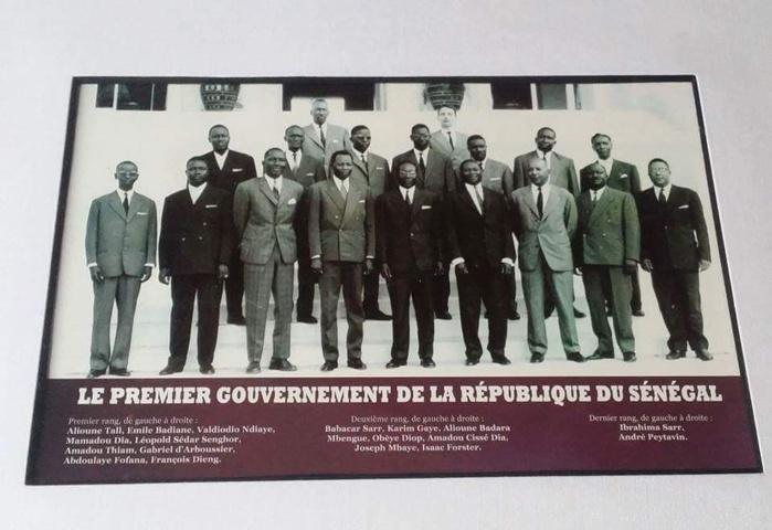 Regardez la différence entre le 1er gouvernement de Senghor et celui de Macky Sall ! Celui de Senghor comptait 16 ministres!