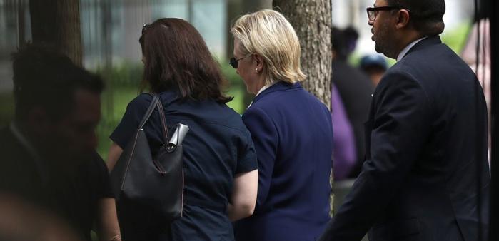 """Le """"coup de chaud"""" de Hillary Clinton relance les folles rumeurs sur sa santé"""
