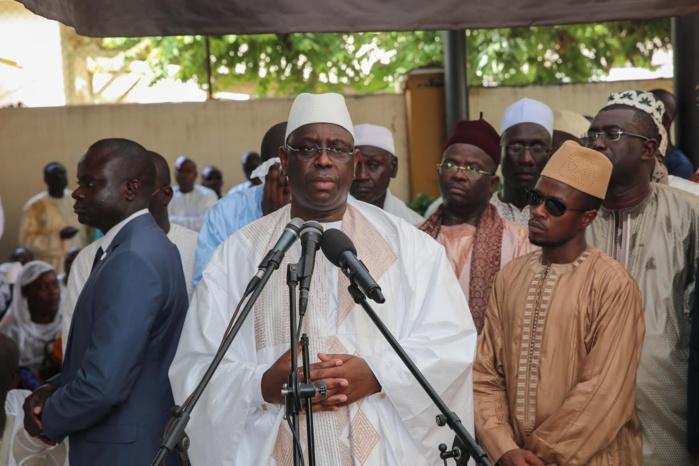 """Macky Sall à la levée du corps de Me Mbaye Jacques Diop : """" Le Sénégal a perdu un digne fils (...) Ce qui me liait à Me Mbaye Jacques Diop """""""