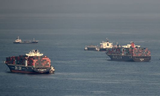 Les marins d'une compagnie en faillite errent sans but sur les océans