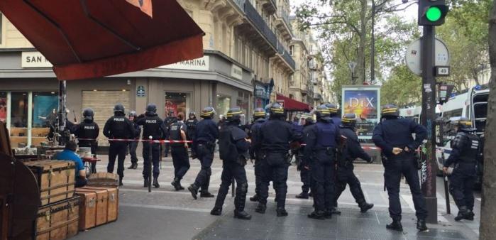 """TERRORISME : Une """"fausse alerte"""" entraîne une vaste opération policière à Paris"""
