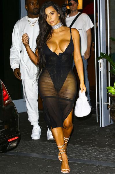 Kim Kardashian, plus sexy que jamais à Miami