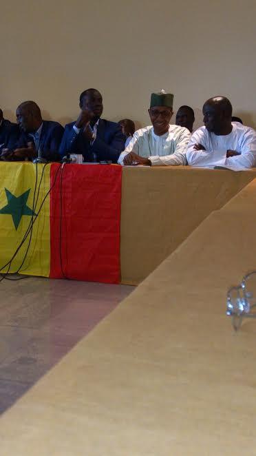 Les premières images de la conférence de presse de l'opposition