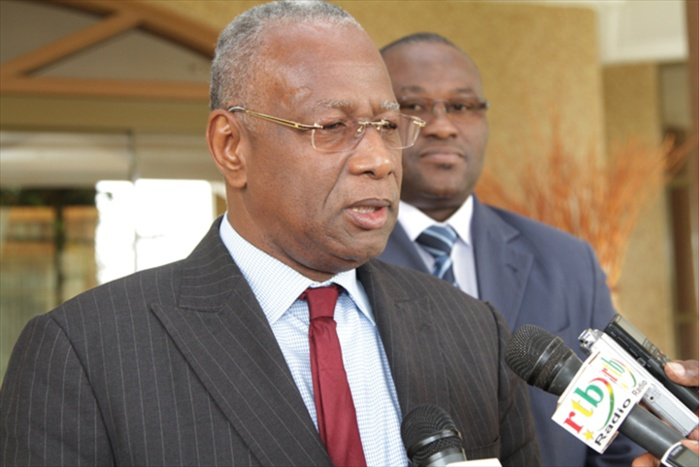 Abdoulaye Bathily manoeuvre au Gabon