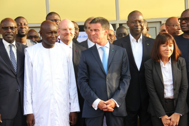PHOTOS - Manuel Valls en visite au nouveau Parc Industriel de Diamniadio