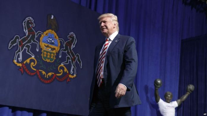 Donald Trump menace d'inviter une ancienne maîtresse de Bill Clinton au débat présidentiel