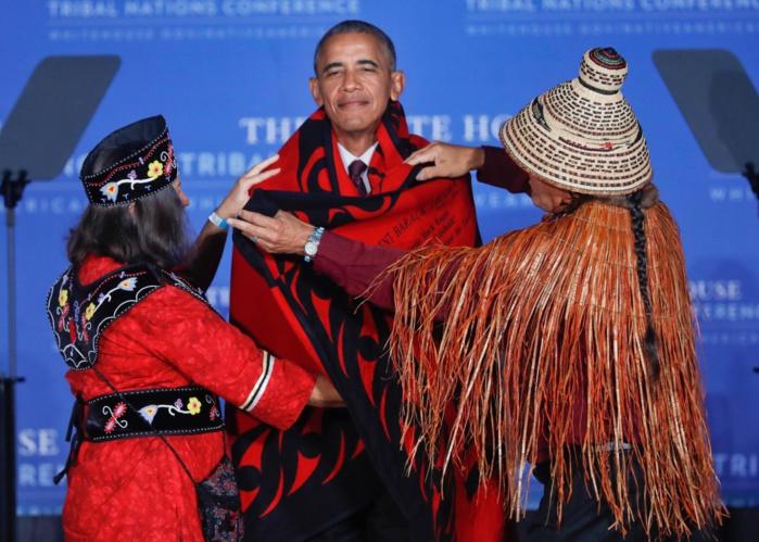 Chapeau à Obama pour sa dernière conférence amérindienne, et couverture en prime