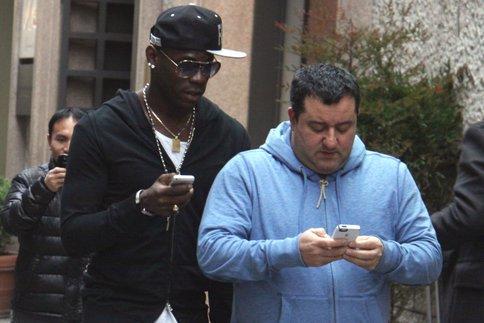 Quand Balotelli plante la Bentley de son agent Raiola