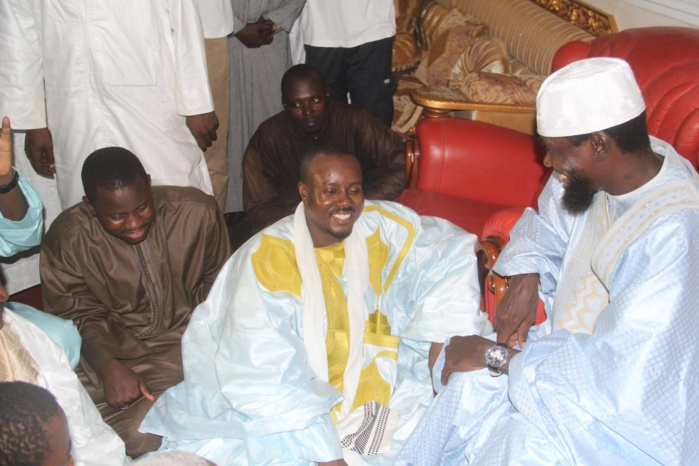 ARRET SUR IMAGE- Quand Cheikh Bass honore ses ainés !