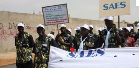Non-paiement des salaires du mois de septembre : Le Saes attaque le recteur et ses services