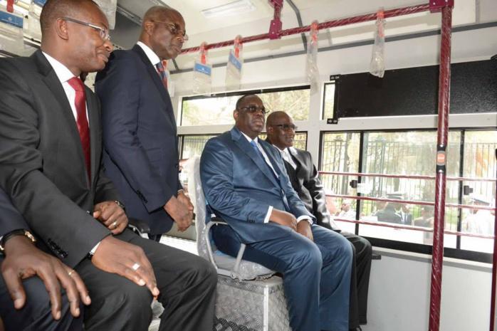 BUS DDD : Macky Sall veut des places réservées aux personnes à mobilité réduite
