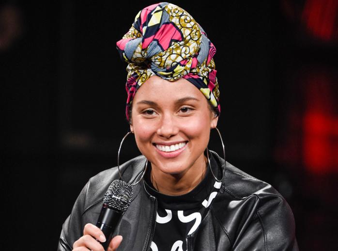 Alicia Keys ne se maquille plus, mais un petit peu quand même