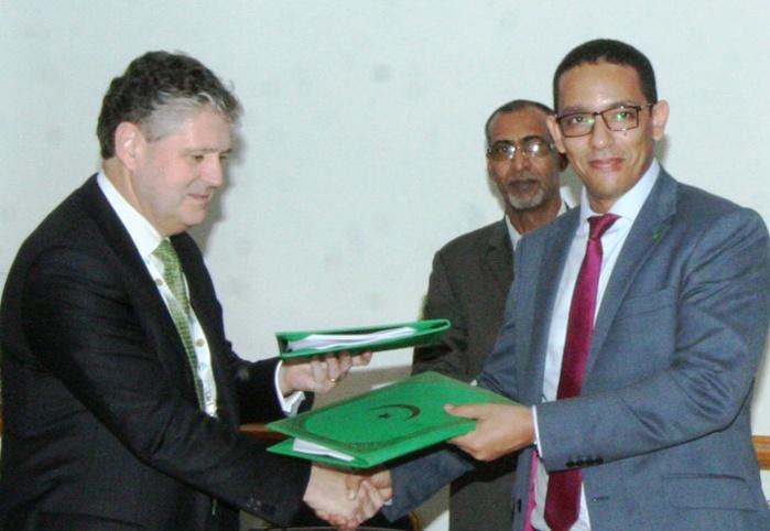 Mauritanie : signature de deux accords dans l'exploration pétrolière et l'or