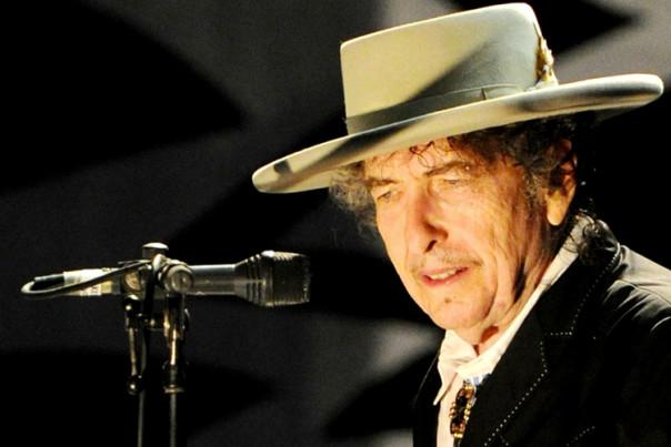 Le prix Nobel de littérature attribué au chanteur Bob Dylan