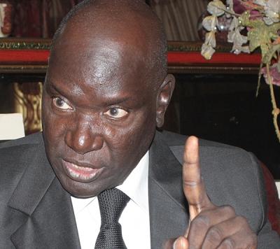 Kawteff : Me Babou se fait voler son téléphone en plein deuil