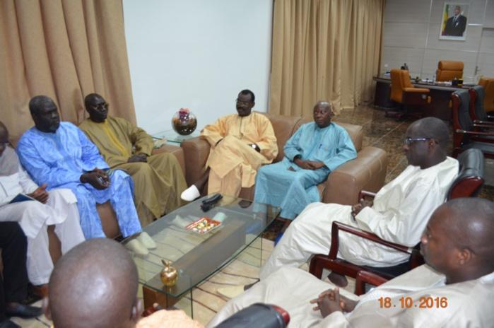 Reçu par le ministre Abdoulaye Diouf Sarr : Le collectif des maires de Thiès réaffirme sa mobilisation pour des victoires aux prochaines élections