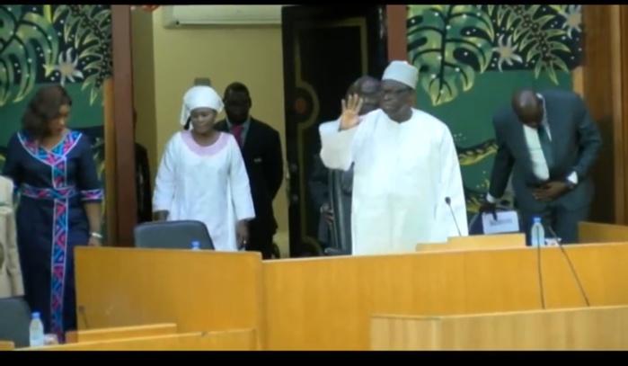 ASSEMBLÉE NATIONALE : Le président Moustapha Niasse vient d'ouvrir la séance