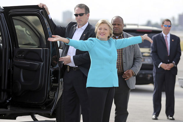 États-Unis : le Directeur du FBI blanchit Hillary Clinton dans l'affaire de ses emails à moins de 48h du scrutin