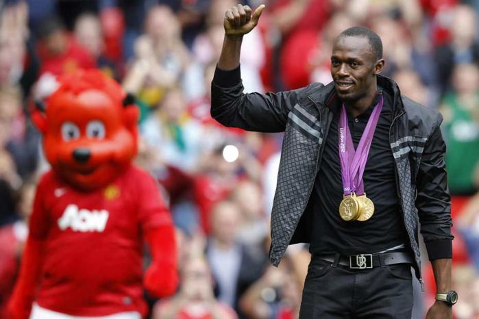Usan Bolt se voit jouer à Manchester United !