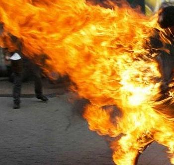 HORREUR A DIOURBEL : La prostituée Bineta Pouye a tenté de s'immoler par le feu