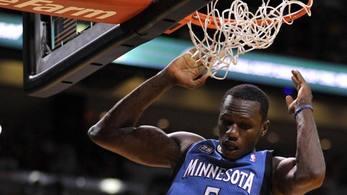 Joueurs les plus performants en NBA : Gorgui Dieng devant Tony Parker
