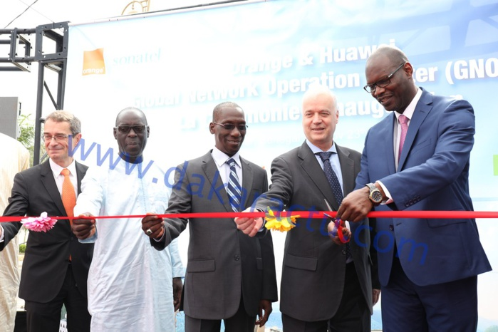 Les images de la cérémonie d'inauguration du Global Network Operation Center ( GNOC )