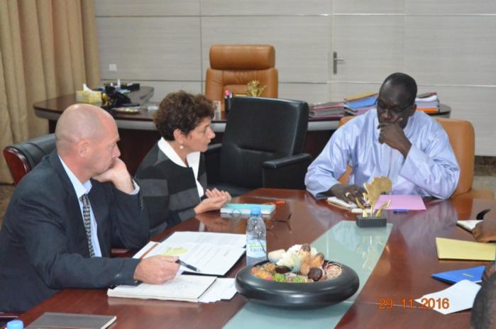 Séance de travail : le ministre de la gouvernance locale a reçu  le Directeur des Opérations de la Région Afrique de la Banque mondiale