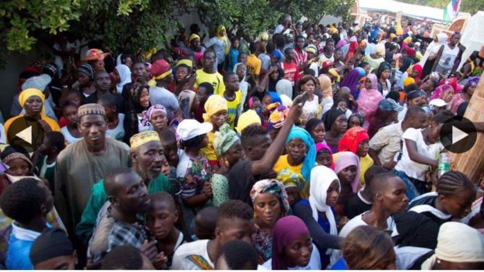 Première journée de Adama Barrow en tant que président élu : Il a reçu les félicitations de la presse étrangère, des sages de Banjul et de centaines de jeunes venus de partout (Photos)