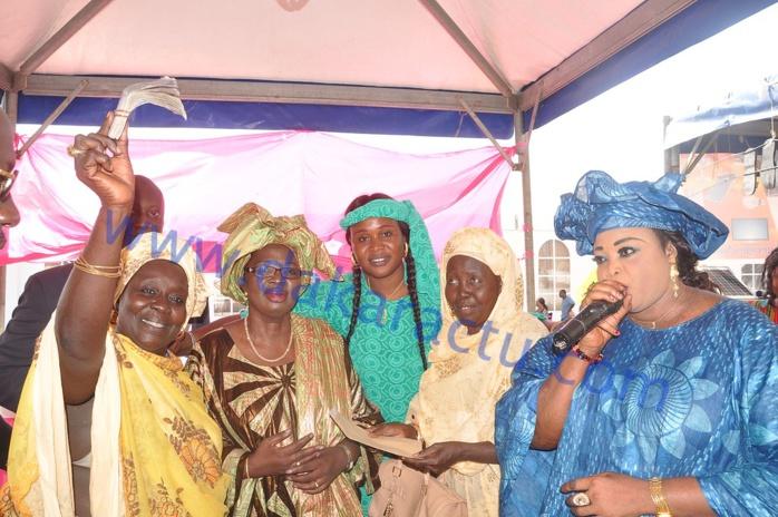 Journée de la région de Kaffrine à la FIDAK : La Directrice de l'ACBEP offre 1 million aux exposants