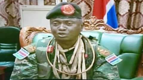OUSMANE BADJI : Chef d'Etat Major Général de l'Armée Gambienne ou un Egnab déguisé en guerrier Diola