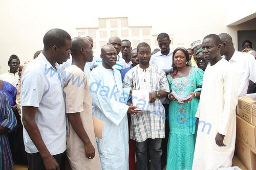 Cérémonie de remise de fascicules aux Élèves des communes de Ngoundiane et  Ndièyenne Sirakh