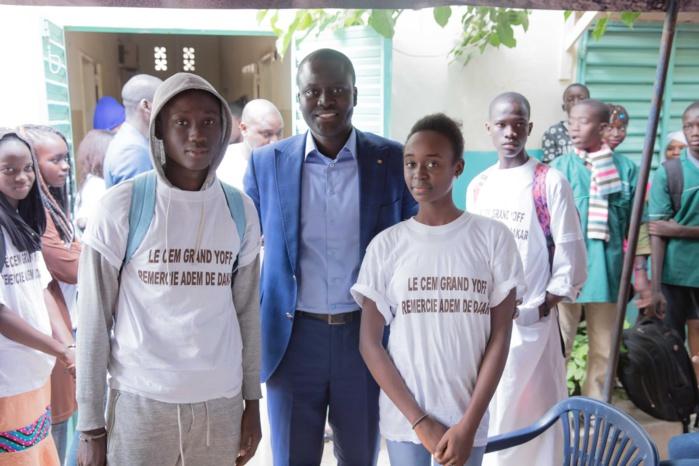 Cheikh Bakhoum prime les meilleurs élèves de Grand-Yoff