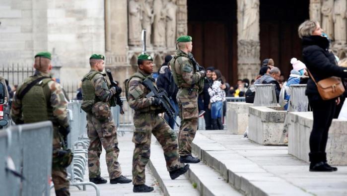 FRANCE : un Noël sous haute sécurité