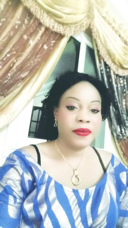 YATTÉ CHANCELIÈRE (Esthéticienne) : « Ce n'est qu'au Sénégal que la femme s'enduit imprudemment de crème... Les Sénégalaises ont un degré ultra rapide de vieillissement de la peau... »