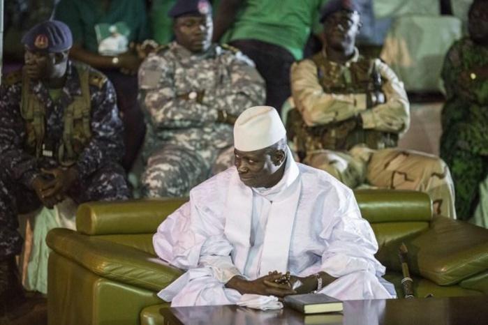 LE VIDE CONTINUE AUTOUR DE JAMMEH : Deux officiers supérieurs désertent avant de se réfugier au Sénégal
