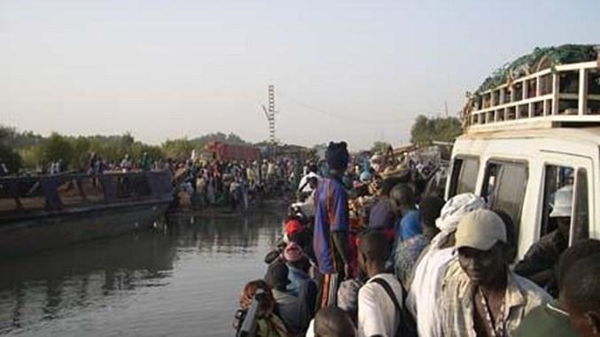 Gambie : mission de dirigeants d'Afrique de l'Ouest, des milliers de personnes fuient le pays