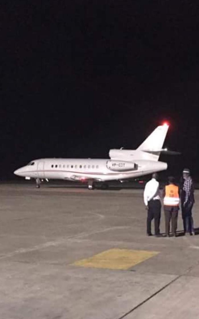 L'avion de Yaya Jammeh vient d'atterrir à l'aéroport international de Conakry