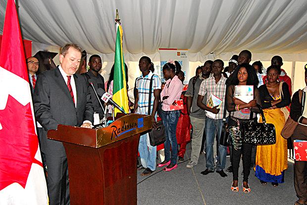 Education : Avec plus de 80 milliards CFA en 4 ans,  le Canada leader des bailleurs de fonds de l'éducation au Sénégal