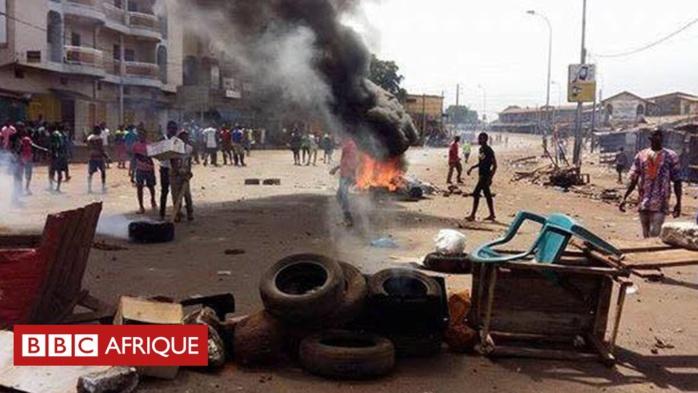 GUINEE : De jeunes manifestants ont affronté lundi les forces de l'ordre