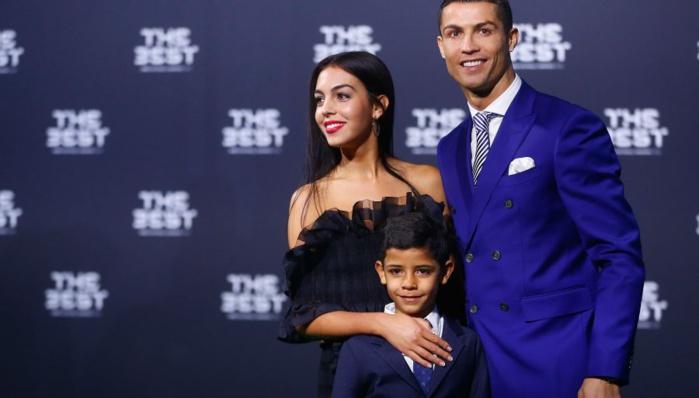 Quand Ronaldo surveille sa copine sur Instagram