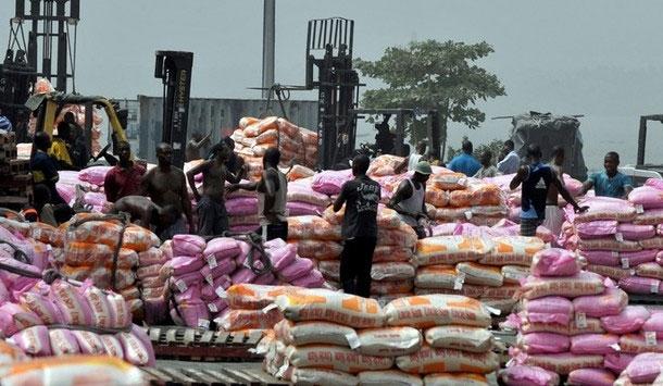 POUR NOURRIR SA FAMILLE : Le docker prend une peine ferme pour avoir volé… un sac de riz