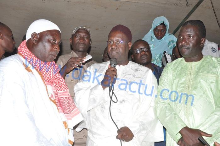 THIAROYE SUR MER : Abdou Karim Sall offre une subvention de 10 moteurs aux pêcheurs de la localité