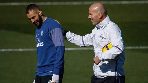 """Selon Zidane, Benzema est """"le meilleur joueur français"""""""
