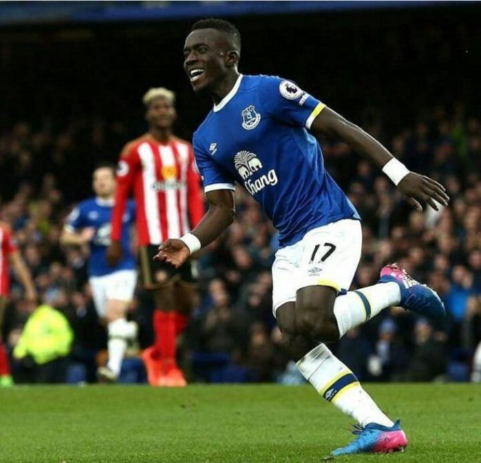 Buteur, Gana offre la victoire à Everton